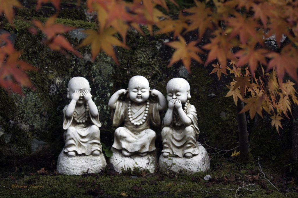 Image three Buddhist monks, see no evil, hear no evil, speak no evil